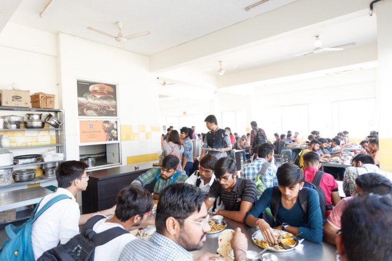 Canteen Indus University (4)