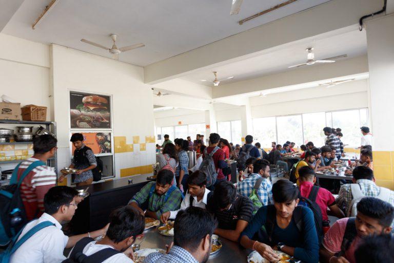 Canteen Indus University (5)