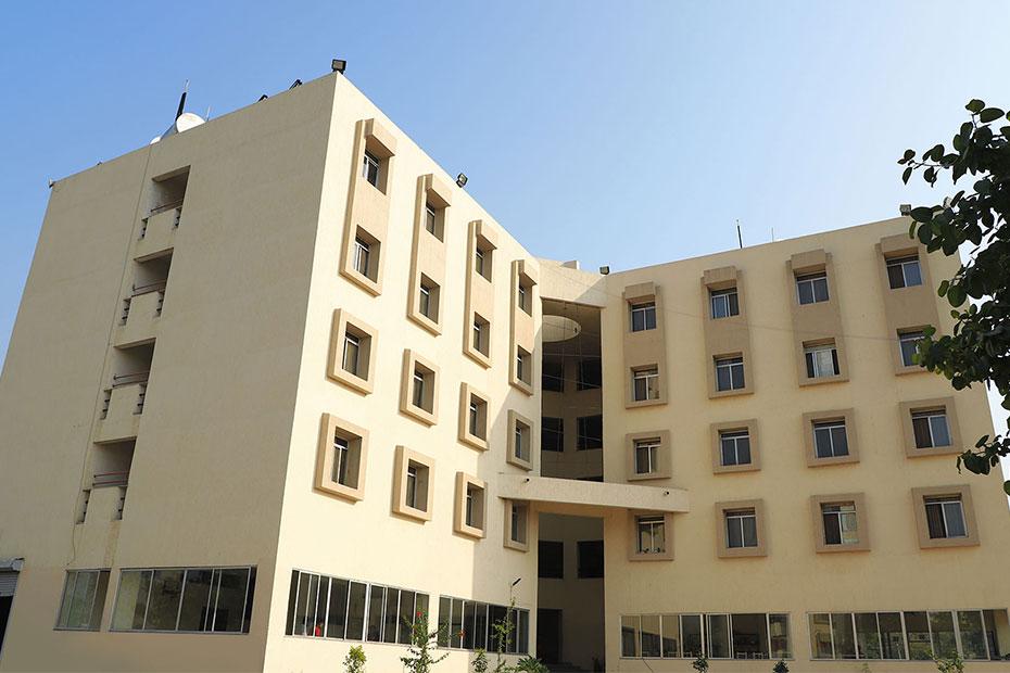 best campus life colleges in india