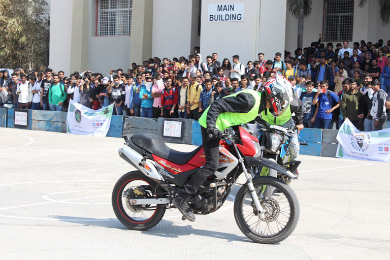 top 10 automobile engineering colleges in ahmedabad
