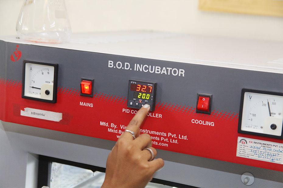 B.O.D. Incubator