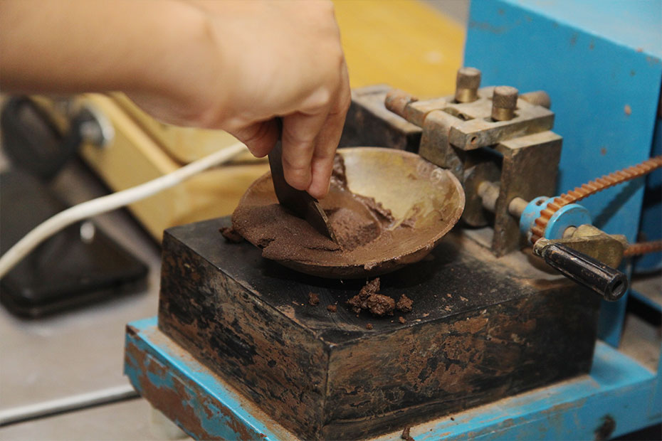 Soil-Mechanics-&-Foundation-Engineering-Laboratory-04