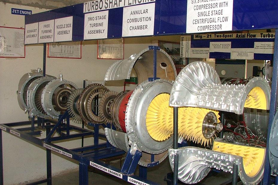 indus-university-jet-engine-shop-01