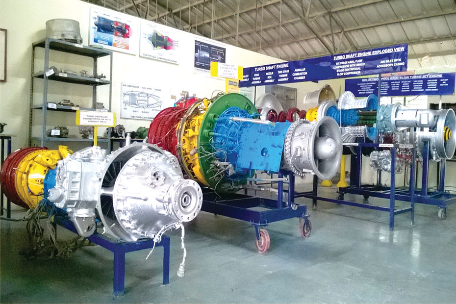 indus-university-jet-engine-shop-03