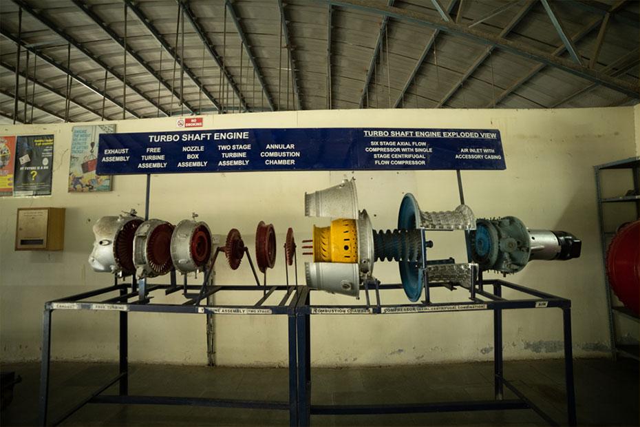 indus-university-jet-engine-shop-04