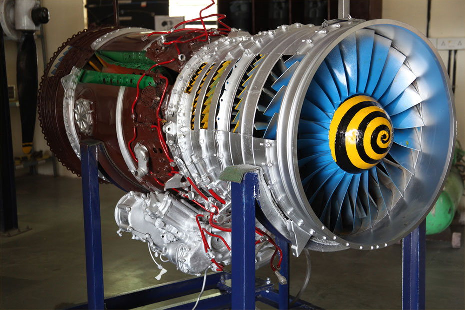 indus-university-jet-engine-shop-05